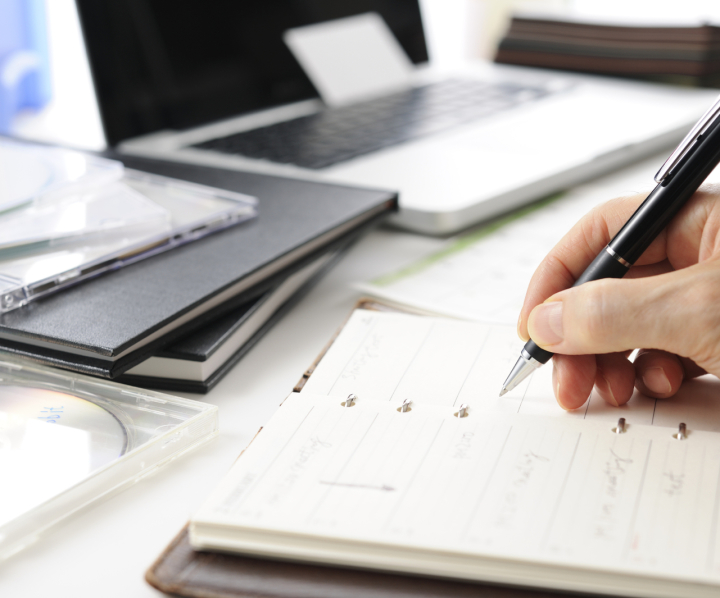 IT-enabled Services, Bild- und Viedeobearbeitung, Grafik, technische Handbücher, Shop-Pflege